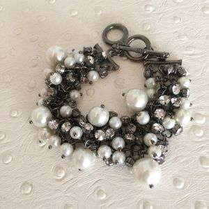 Jewelry - Pearl Cluster Toggle Bracelet